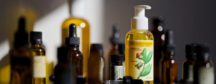 Jojoba-and-essential-oils_0